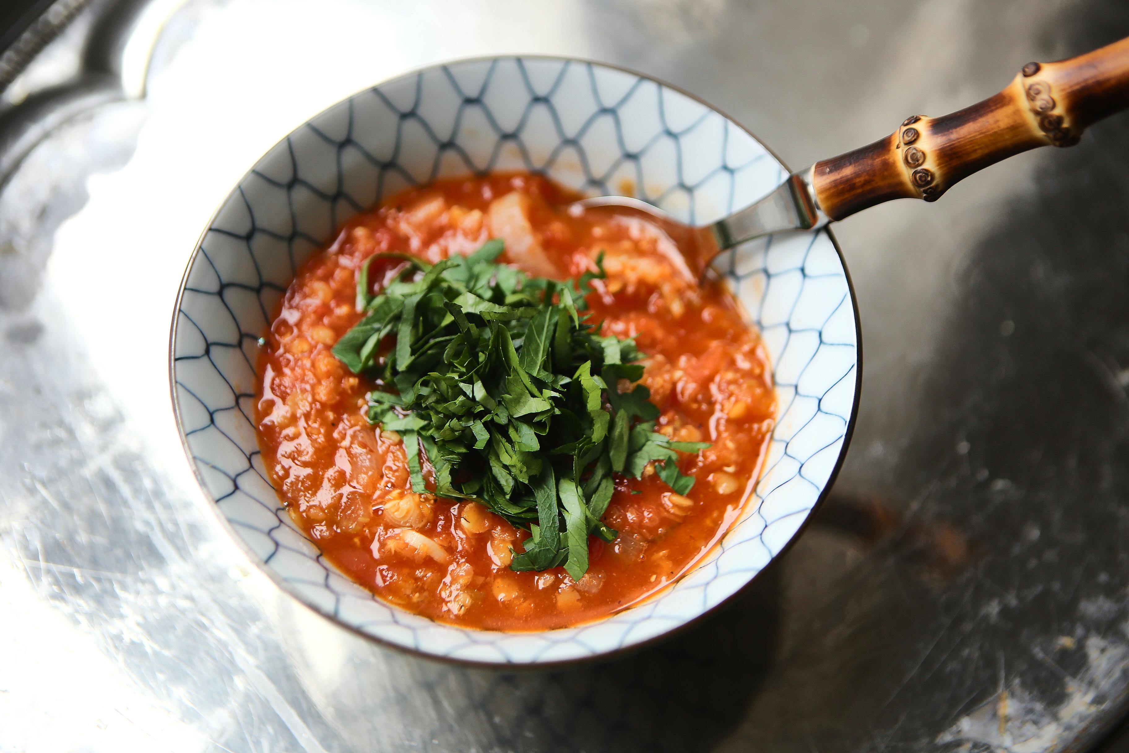 lins och tomatsoppa