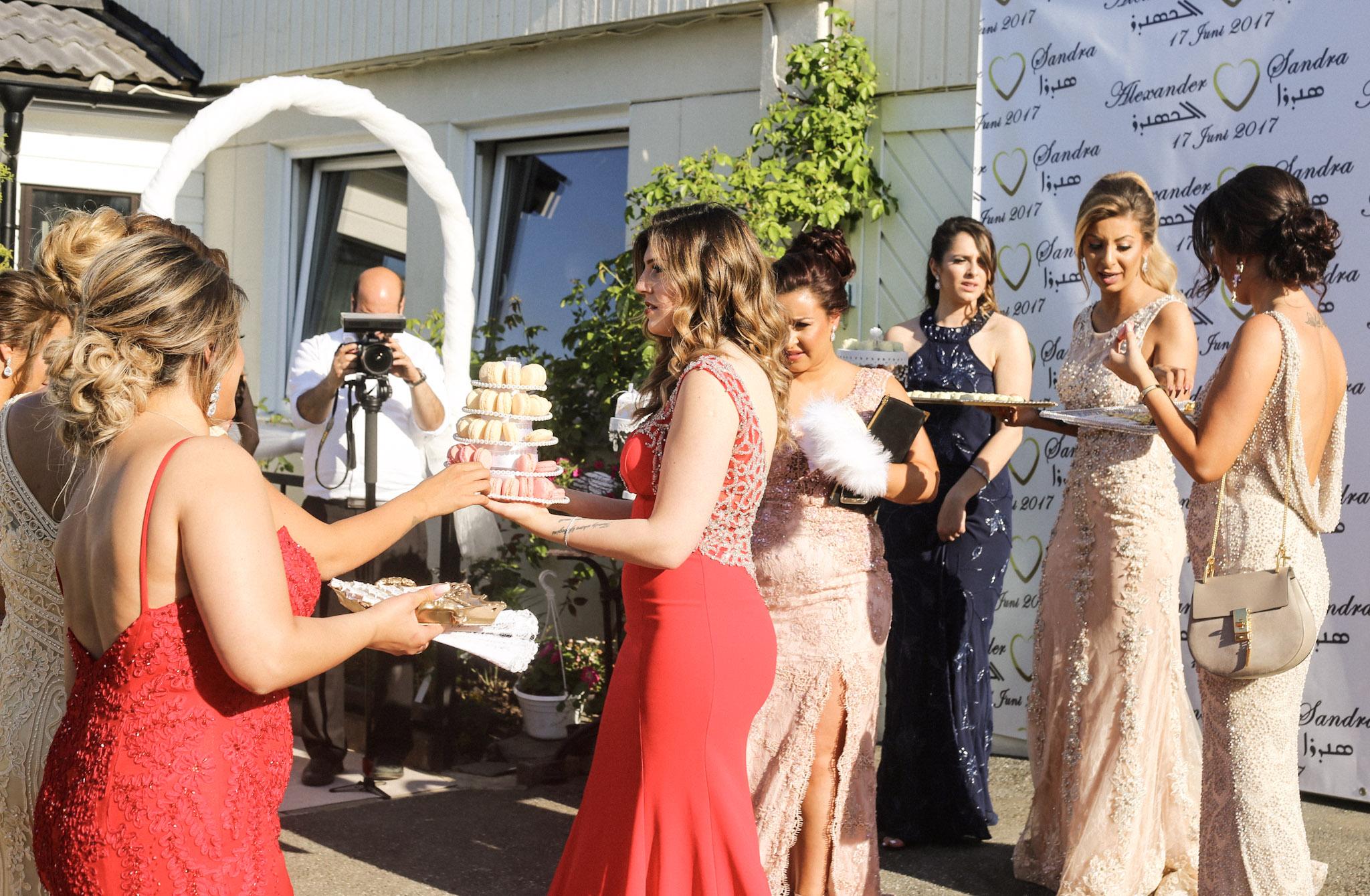 klänningar till syrianskt bröllop